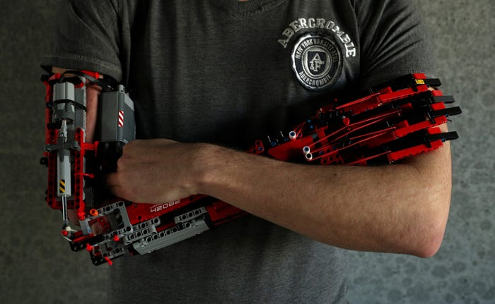 LEGO-PROTEZ.jpg